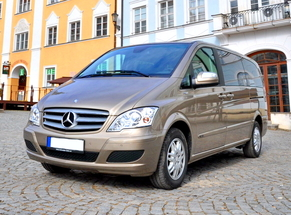 Rent Mercedes Iasi Aéroport