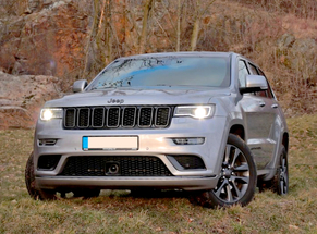 Rent Jeep Bacau Airport
