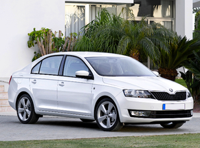 Rent Skoda Bacau Aéroport